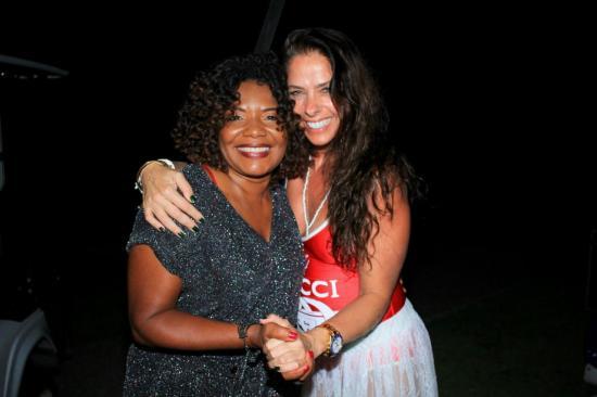 A cantora Margareth Menezes e Adriane Galisteu. (Crédito  Dimitri Batista) c523374b3f