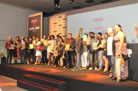 fa804ad398 A premiação elegeu os melhores da gastronomia baiana no lançamento do  principal guia gastronômico do país. (Crédito  Divulgação)