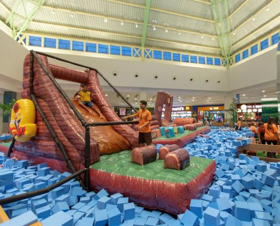 Toda a família se diverte nas opções de lazer e entretenimento do Salvador  Norte Shopping. Até o dia 29 de julho, o empreendimento recebe o Circuito  de ... 6f58855863
