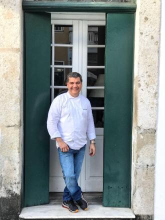 O empresário Bruno Pascal e o chef Guto Lago, que comandam o restaurante  Villa Bahia, no Largo do São Francisco, Centro Histórico, lançam no próximo  dia ... 9922dcc5c8