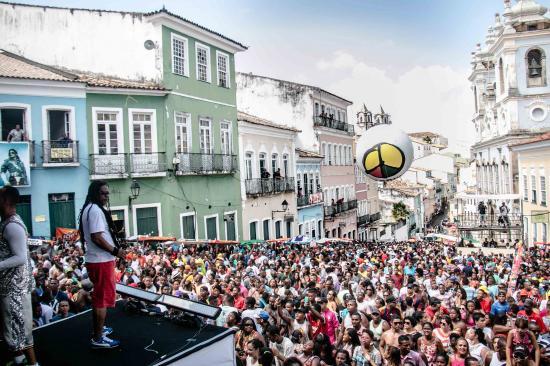 O Festival de Música e Artes Olodum - FEMADUM acontece nos dias 26, 27 e 28  de janeiro, no Largo do Pelourinho. O Festival é tradicionalmente realizado  pelo ... b0c6f60159